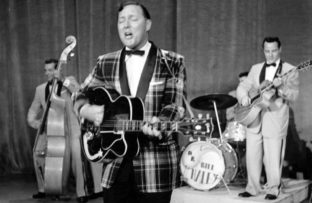 "Bill Haley & His Comets editan su clásico del rock and roll ""Rock Around the Clock"""