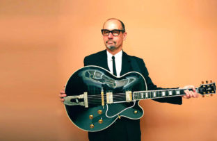 Nace Andy Fairweather Low