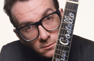 Nace Elvis Costello