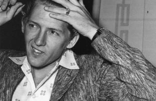 Nace Jerry Lee Lewis