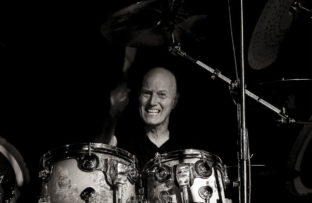 Nace Chris Slade
