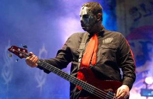 Nace el bajista Paul Gray