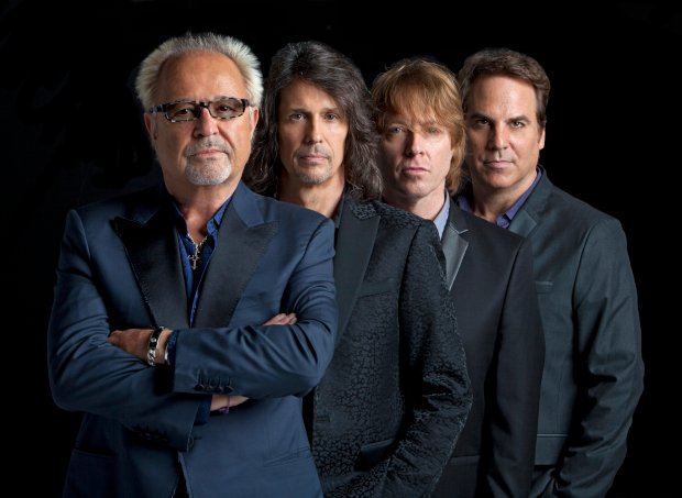 "Foreigner reversiona ""I Want To Know What Love Is"""